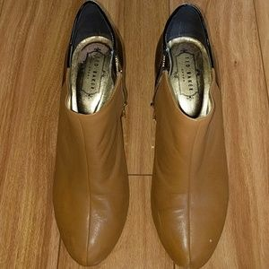 Ted Baker London black and tan booties